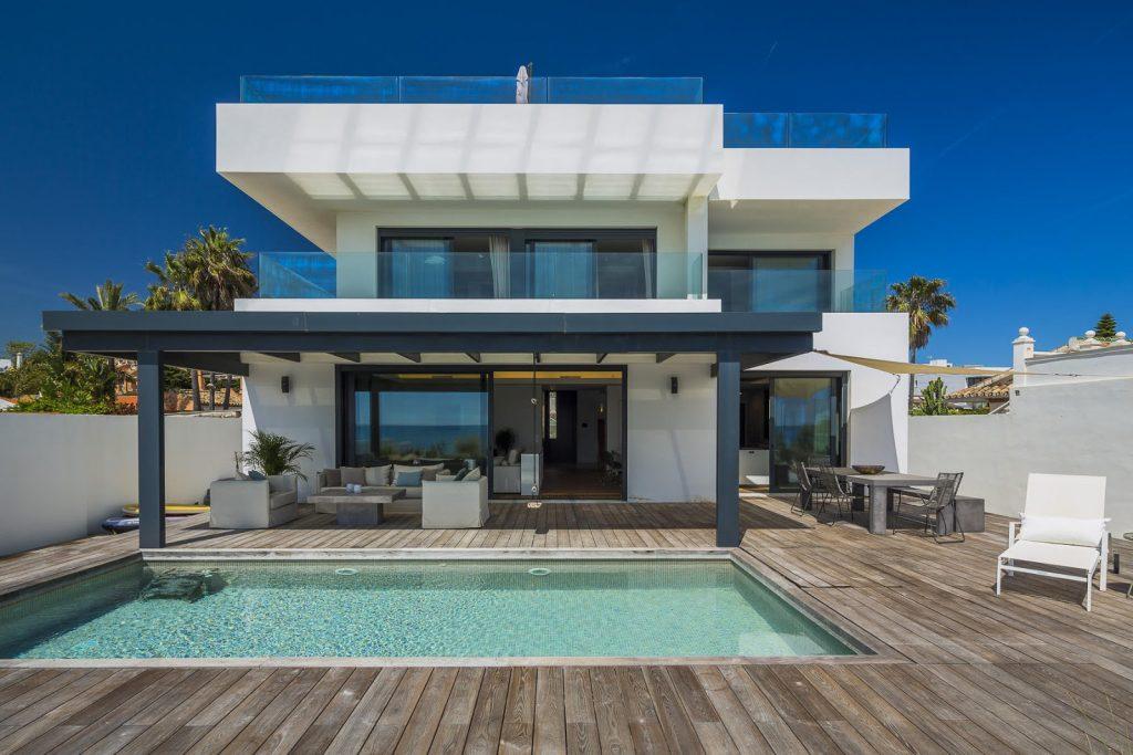 Дом на пляже испании